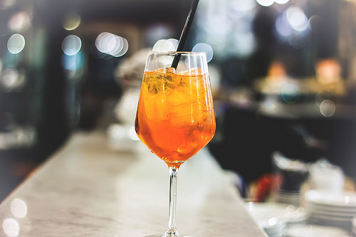 Cocktail_Spritz_2C_drinking_an_Italian_Aperitivo_2C_sparkling_cocktail_with_wine_72.jpg